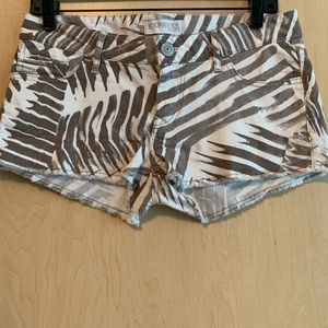 Express Low Rise Palm Print Shorts.